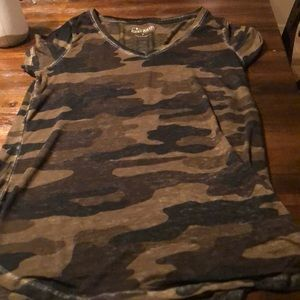 Lucy brand camouflage T-shirt